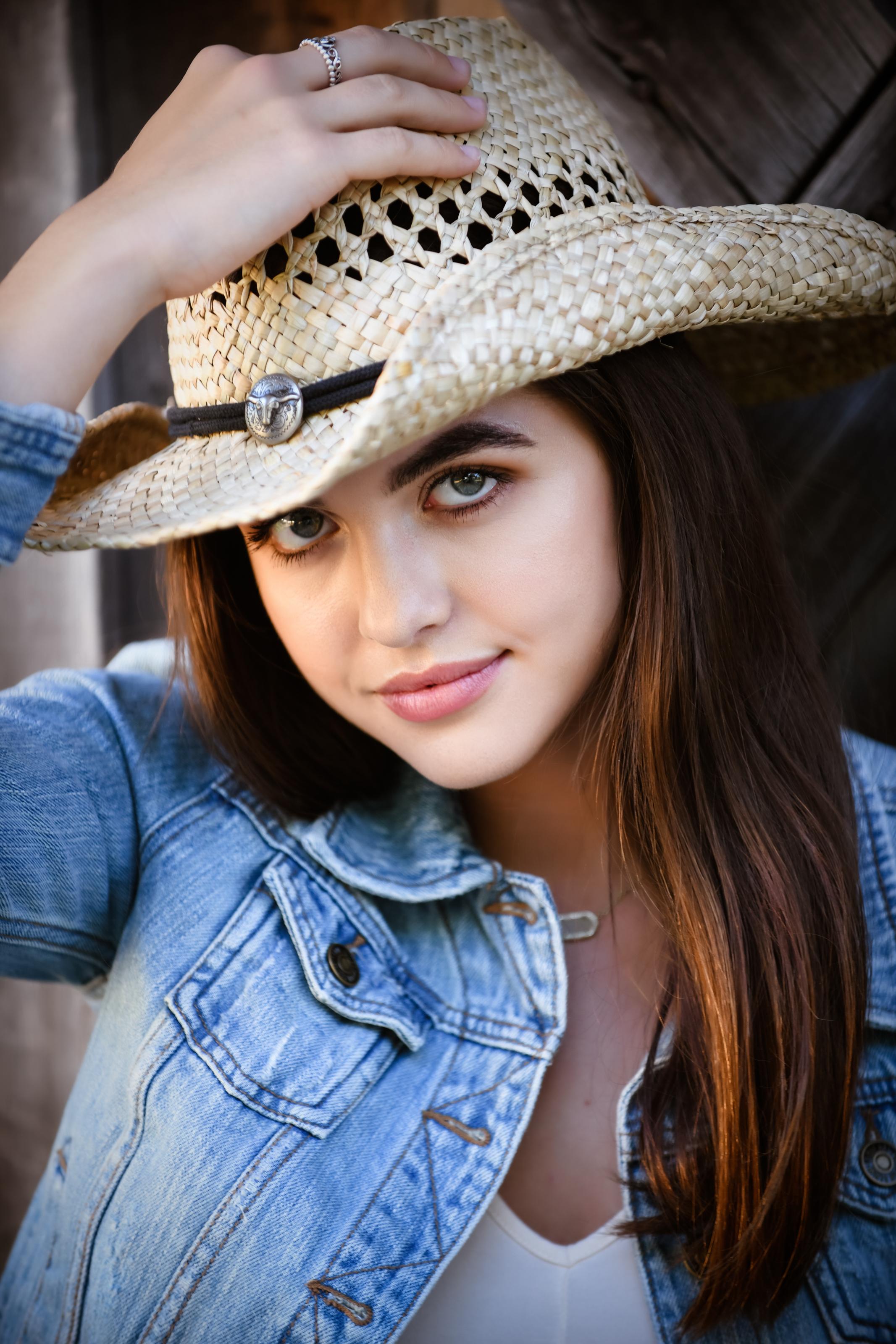Kate Nelson Senior-12